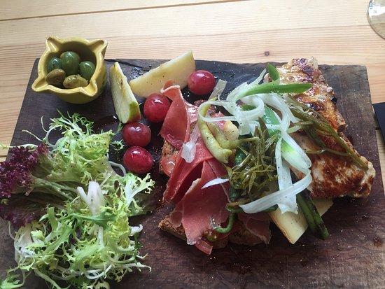 La Magrana Cafe-Bistro: Une petite entrée pour commencer !!!