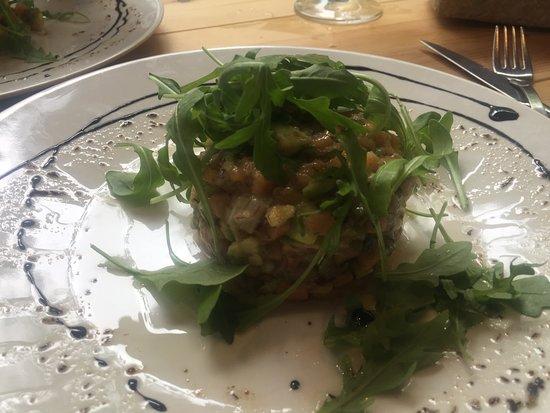 La Magrana Cafe-Bistro: Tartare de saumon deliciiiiieeeeeuuxxx!!!