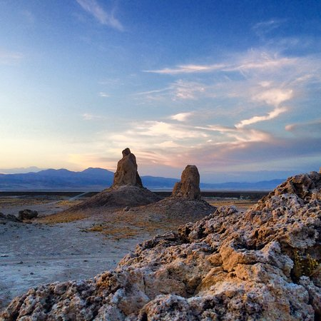 Trona Pinnacles: Walk, drive, park, walk again. Tuffa Spires