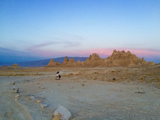 Trona, Kalifornien: Realize how small you really are in the universe...and at the Pinnacles.