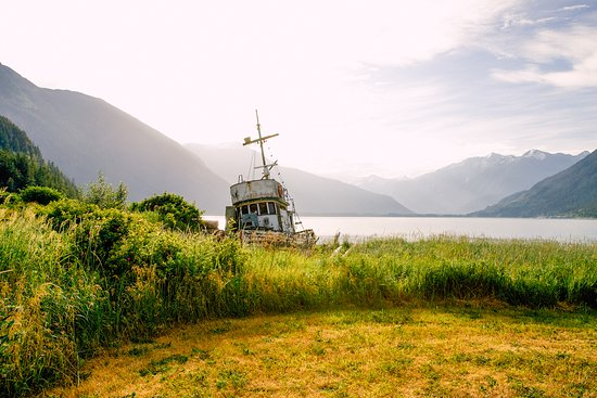Bella Coola, Canada: View from the main lawn