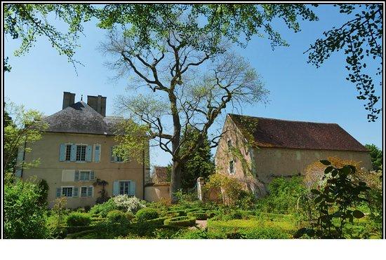 Nohant-Vic, France: Vue depuis les jardins