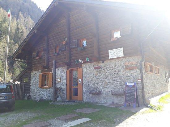 Rifugio Alpini di Campovecchio: 20180425_155759_large.jpg