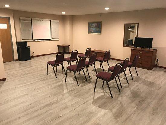 Hillsboro, OH: MEETING ROOM