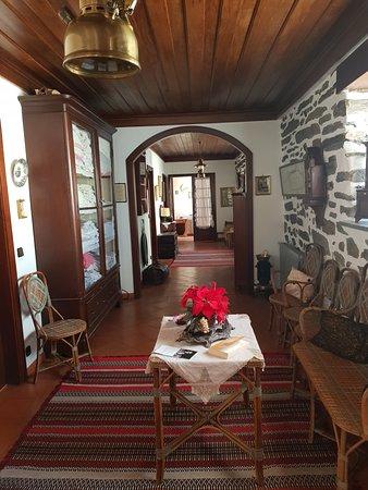 Quinta de Marrocos: entrance/ passage