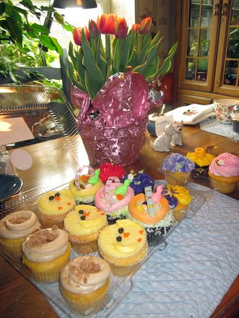 Hatboro, PA: Easter cupcakes