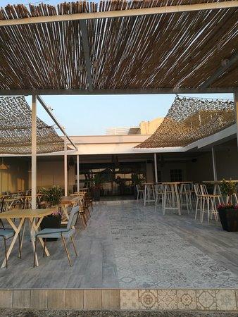 Imba: Een nieuw restaurant super modern ,goed eten en super bediening hier zijn we twee keer gaan eten
