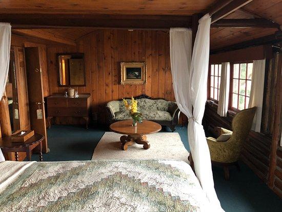 Coupeville, WA: Historic lodge, Captain Suite