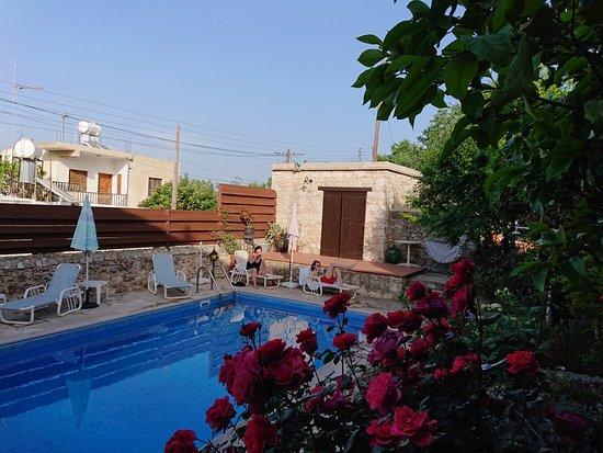 Dhrousha, Cypr: DSC_0064_large.jpg