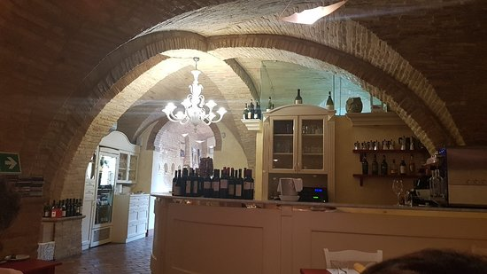 Filottrano, Italië: 20180501_130837_large.jpg