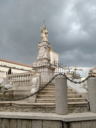 Benevento, إيطاليا: Fontana delle Catene