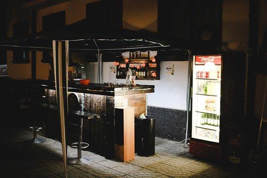 Sinagovtsi, Bulgarije: Bar na dworze