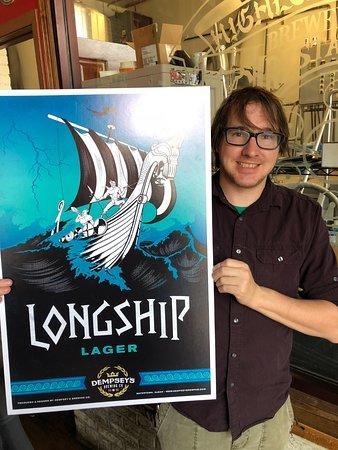 Watertown, Dakota del Sur: Sean and the new logo for Longship
