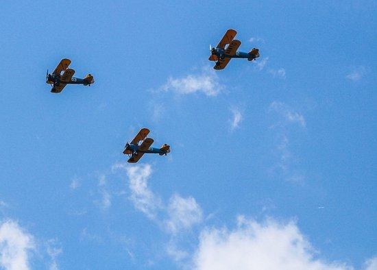 Bealeton, VA: Aformation of Bi Planes