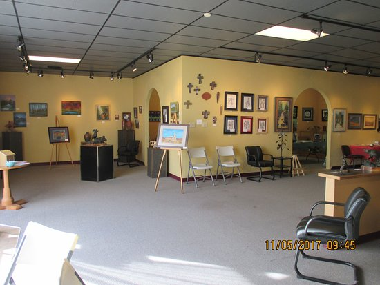Tucumcari, NM: South view of gallery