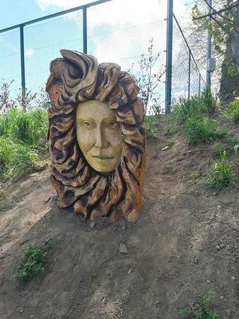 Malahide Beach: scultura di legno, andando verso la spiaggia