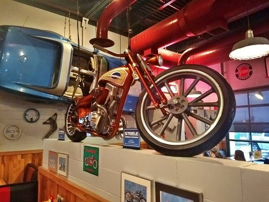 Quaker Steak Lube The Interior Decor Motorcycle And Car Hanging From