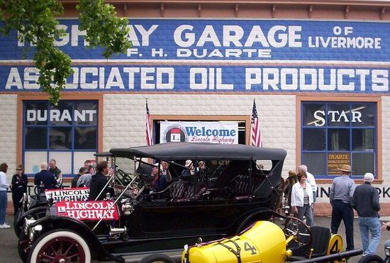 The Duarte Garage and Lincoln Highway Museum