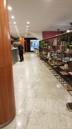 Hotel Catalonia Barcelona 505: 20180506_002840_large.jpg