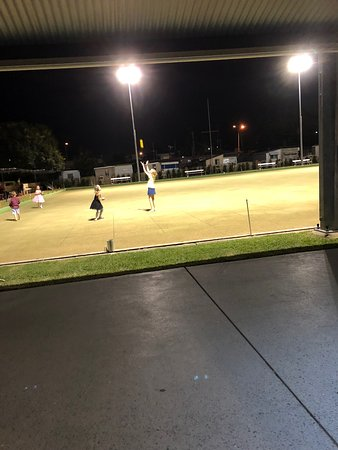 Cooroy, Australia: young bowlers