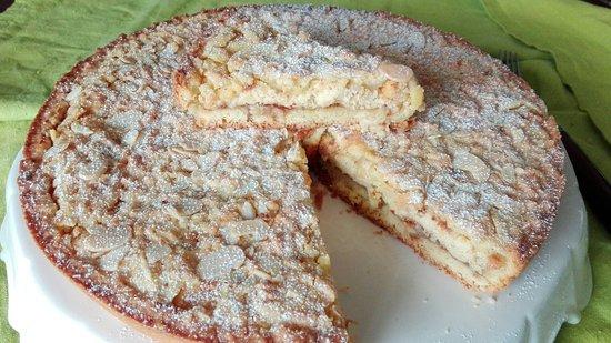 Dogana, Σαν Μαρίνο: Crostata con marmellata di fichi, crema di ricotta e mandorle!