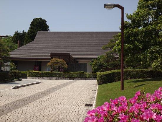 Takaoka Manyou Historical Museum