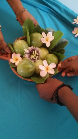 Brufut, Gambia: Passion fruit and flowers, getting room ready for honeymoon suite.