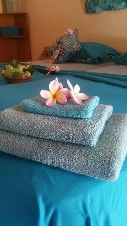 Brufut, Gambia: Fresh towels in room 6