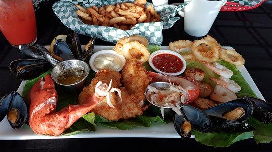 Eastport, Канада: Seafood platter. Big portion!
