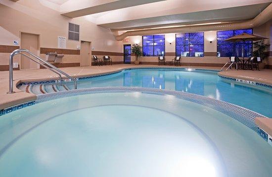New Berlin, Wisconsin: Pool