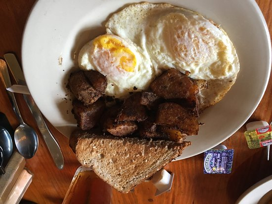 Runcible Spoon Cafe and Restaurant: Eggs, Home Fries and Toast
