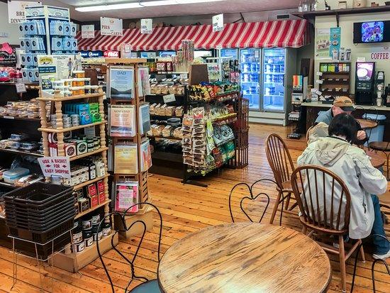 Kauffman's Country Bakery: Kauffman's Interior