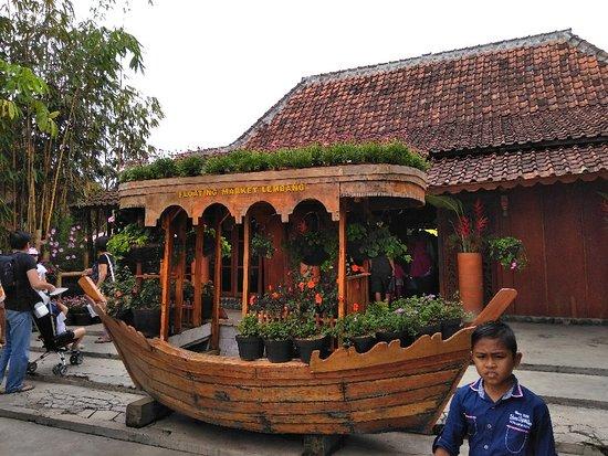 Floating Market Lembang: Pasar Terapung Lembang