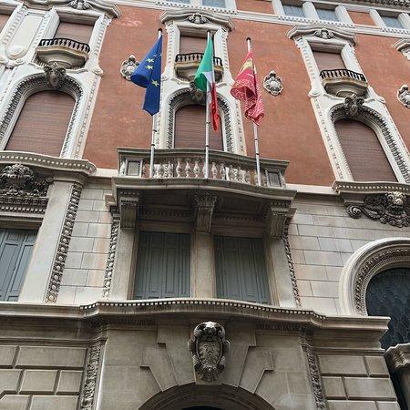 Palazzo della Borsa e della Camera di Commercio