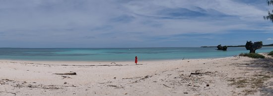 Oesosole Beach: woman in red