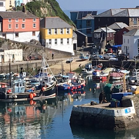 Mevagissey Harbour A Lovely Town With Plenty Of Interesting S Bars Restaurants