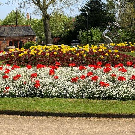 Caldecott Park: photo4.jpg