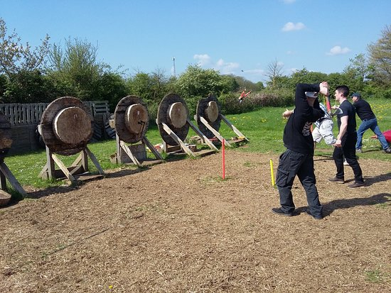 Battle Archery Ltd: throwing two tomahawks together.
