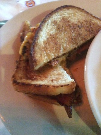 Weidmann's: Pimento cheese sandwich with bacon