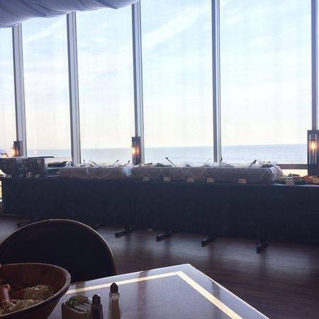 Horizons Oceanfront Restaurant - Clarion Resort: photo0.jpg