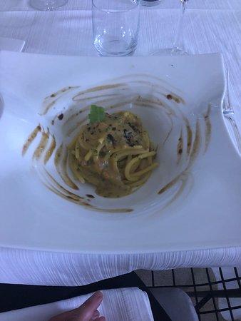 Тури, Италия: Spaghettoni alla polpa di ricco e polvere di caffè