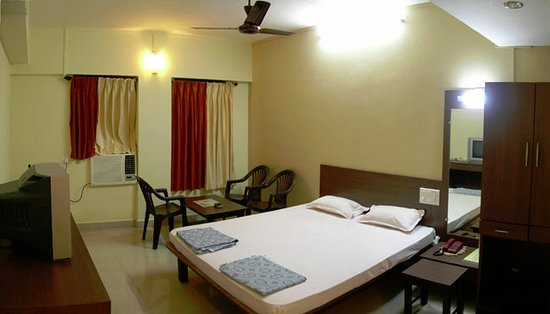 HOTEL OPAL - Prices & Specialty Hotel Reviews (Kolhapur