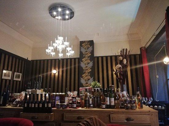 img 20180505 200408 picture of a cantina brasserie corse bordeaux tripadvisor. Black Bedroom Furniture Sets. Home Design Ideas