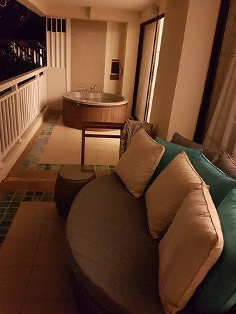 Cape Panwa Hotel: terraza
