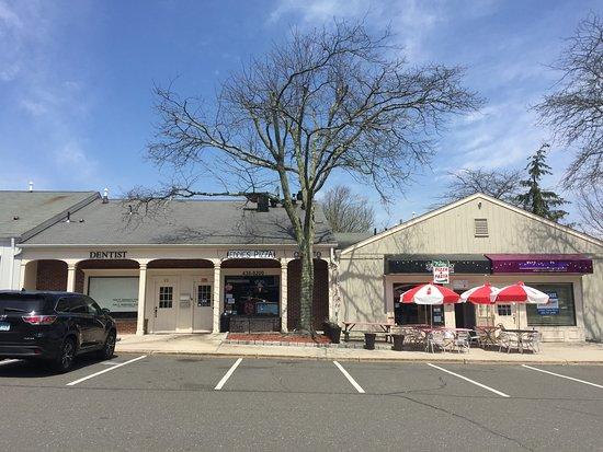 Ridgefield, CT: Jazzeria Piccolo Pizza permanently CLOSED, now Eddie's Pizza & Pasta 24 Prospect Street, Ridgefi