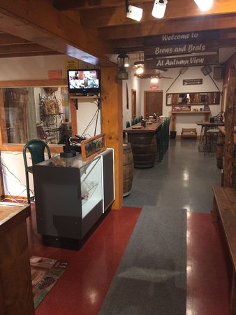 Trumansburg, NY: Our entry room and taproom