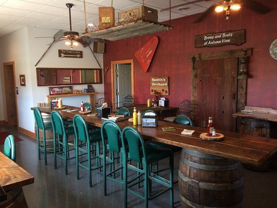 Trumansburg, Нью-Йорк: German Style Seatiing For More Company And Conversations