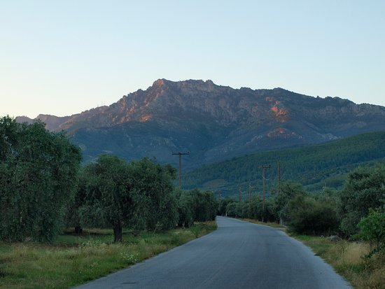 Mount Ipsárion: Гора Ипсарио на рассвете
