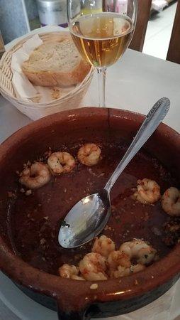 Porto do Son, Espanha: Restaurante Porto Nadelas