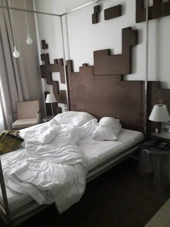 بوري وايت: cama muy ancha de matrimonio